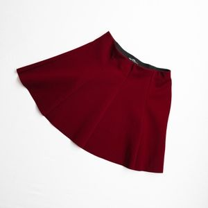 ZARA • MINI PANELED FLARE SKIRT RED BURGUNDY